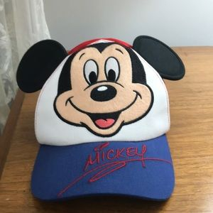 Mickey cap, from DisneyParks. Infant 49-52 cm